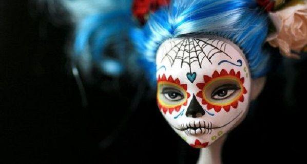 La muerte es la protagonista en estas lindas muñecas.