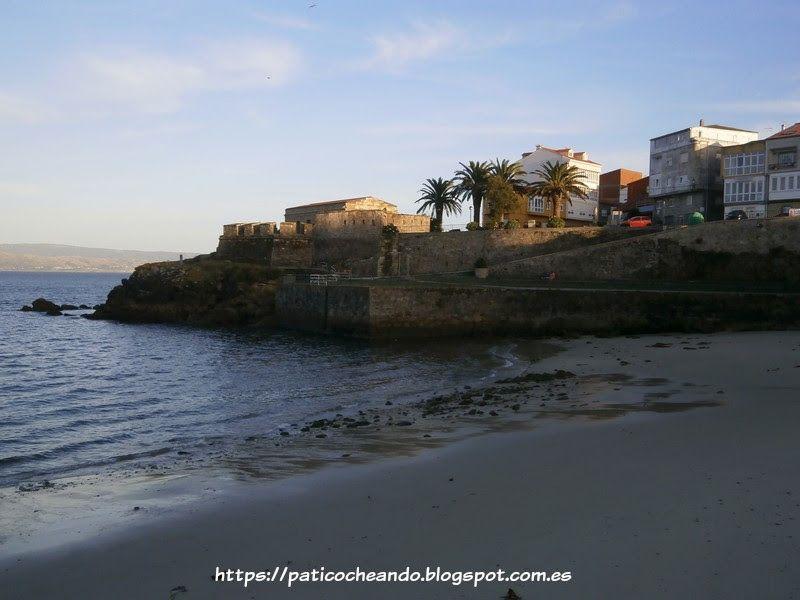d788aafcbf99 FINISTERRE(LA CORUÑA)-Costa da Morte  Playa Ribeira. A la izda se ...