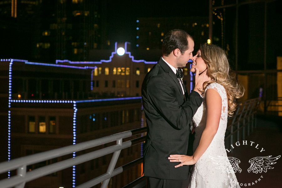 City Club Fort Worth Has A Great Balcony For Night Pictures Of Lit Up Downtown Groom Goes In Kiss As They Take Few Romantics