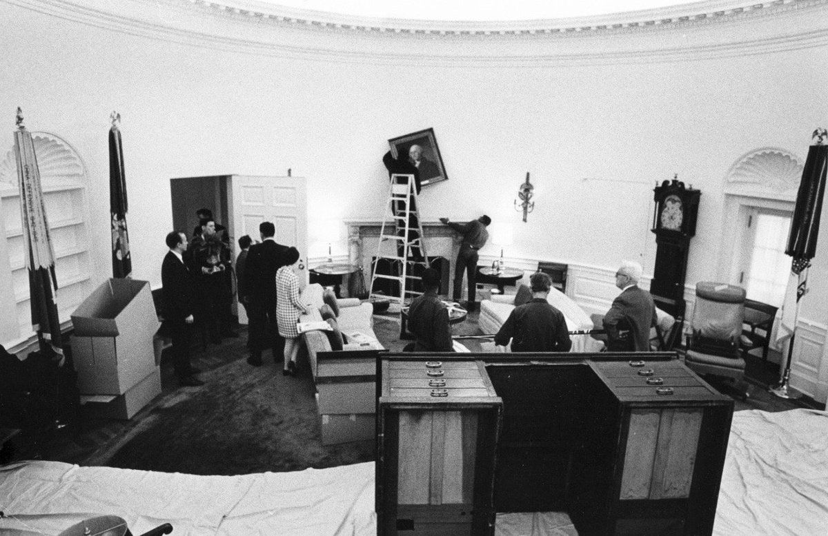 nixon office. Richard Nixon\u0027s Staff Moves Furniture And Materials Into The Oval Office On January As Nixon Administration Takes Office. F
