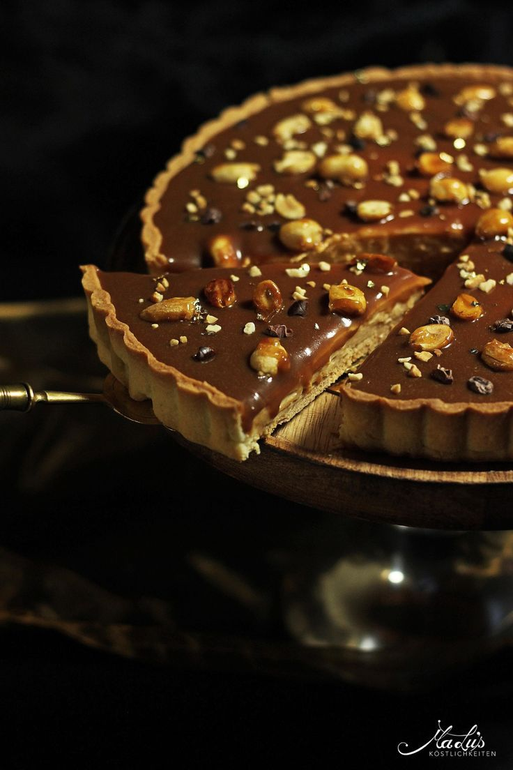 Photo of Creamy caramel peanut tart with roasted nuts – Maren Lubbe – Delicious delicacies