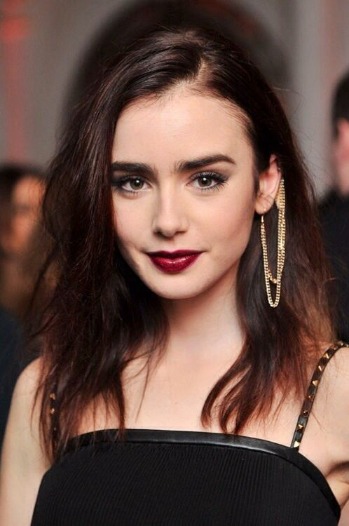 Maquillaje. (Lily Collins)