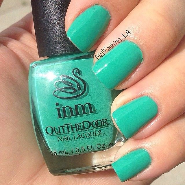 nailfashion_la Showcasing this gorgeous teal color from @INM Nails ...