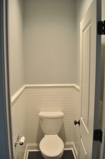 Additional toilet with sliding door - just to get the idea, ignore ...