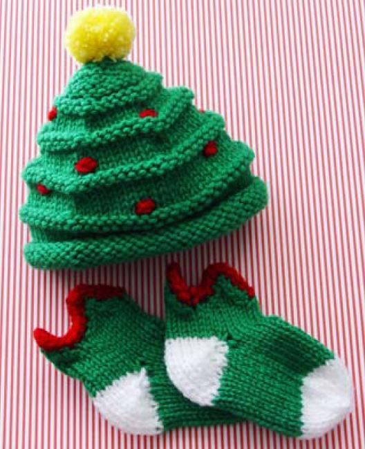 Cute X-mas Preemie / Newborn Hat and Socks - free Pdf Pattern and ...