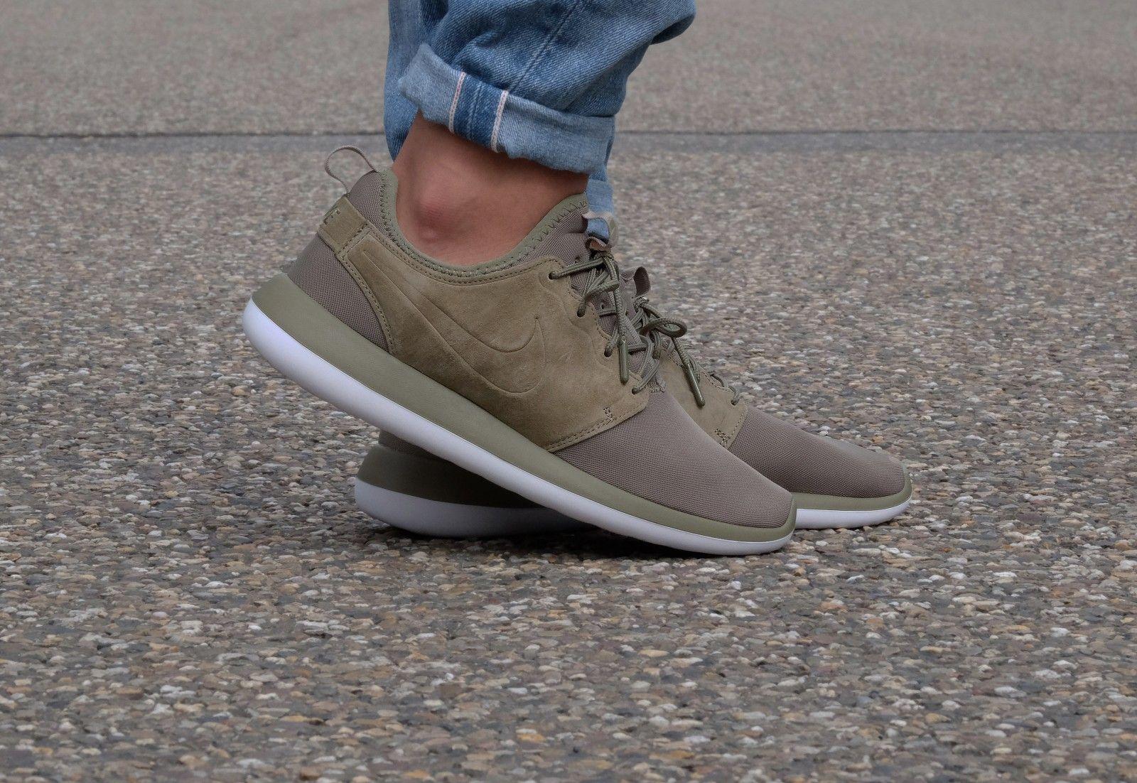 Cheap Nike Roshe Two FlyKnit Sneaker (Women)