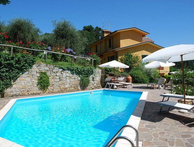 Villa in Vendita a Camaiore Lu Toscana - Riferimento Villa Silvia