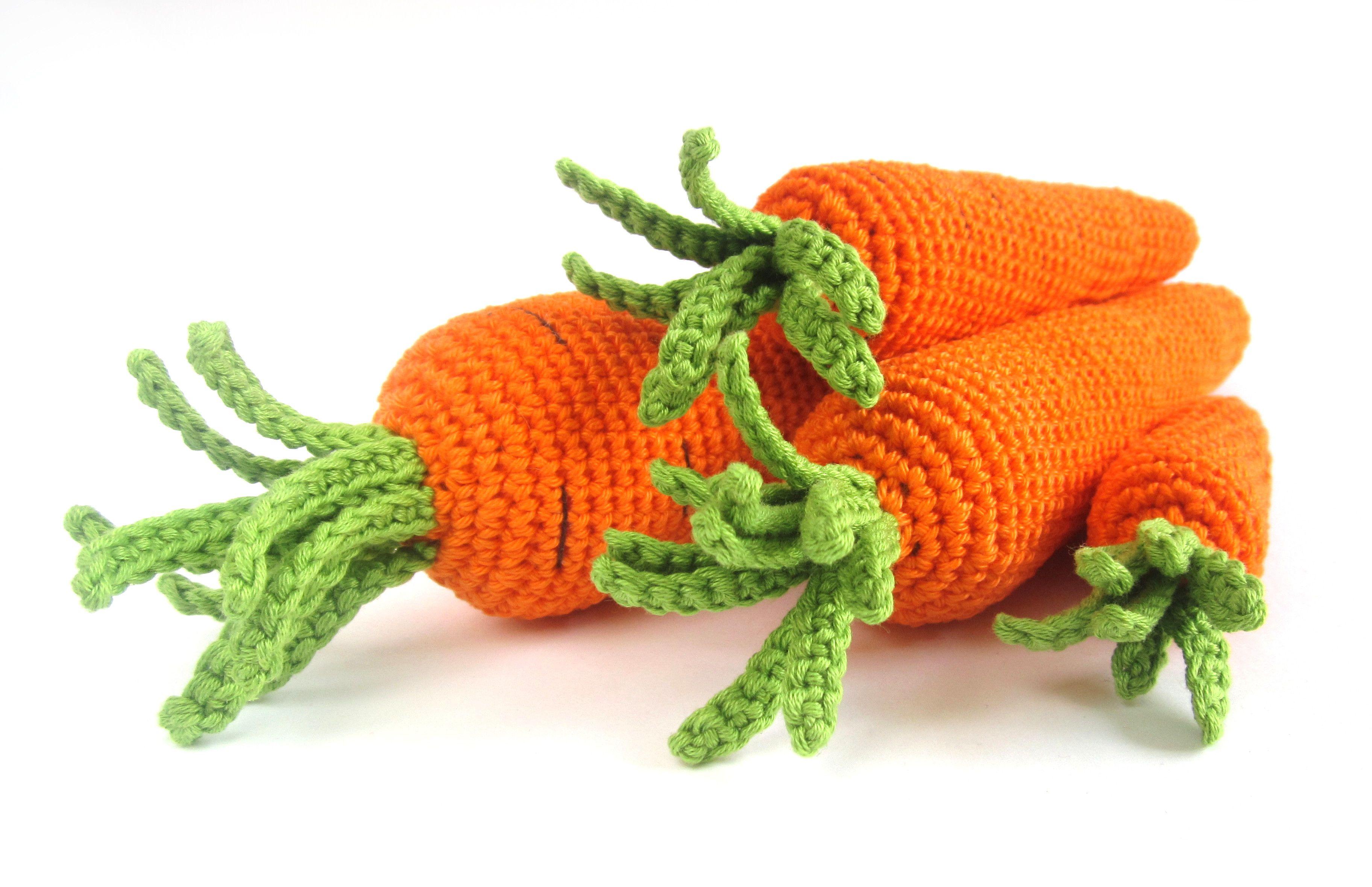 Free pattern: Crocheted carrots, 4 sizes // Kristi Tullus (sidrun.spire.ee)