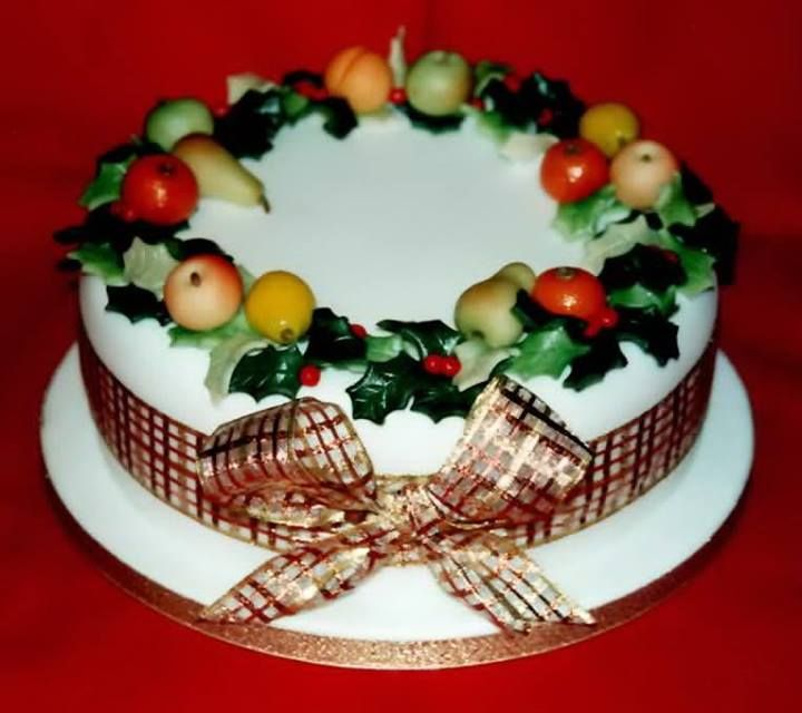 Christmas Cake Marzipan Fruit Wreath Christmas Cakes Easy