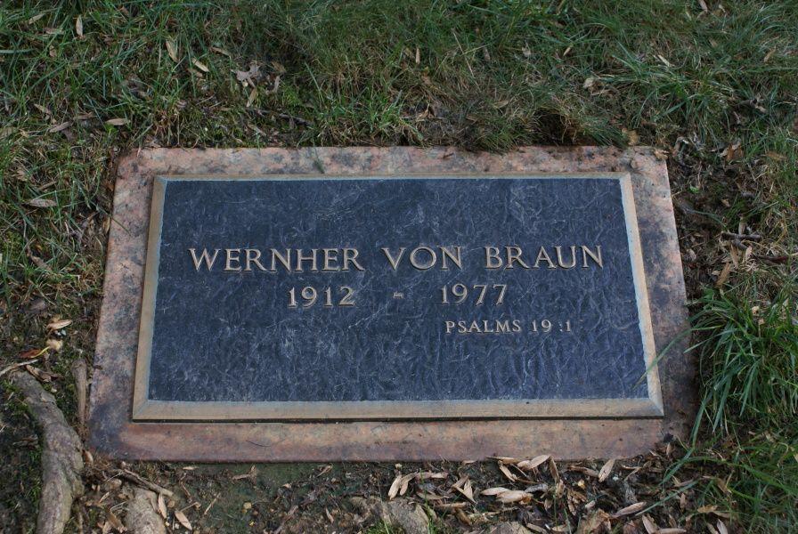 Wernher von braun 1912 1977 famous graves braun
