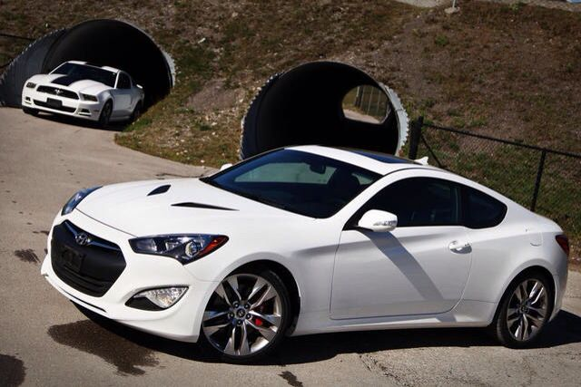 Hyundai Genesis Coupe 3.8 Liter Turbo With Carbon Fiber Hood Vents