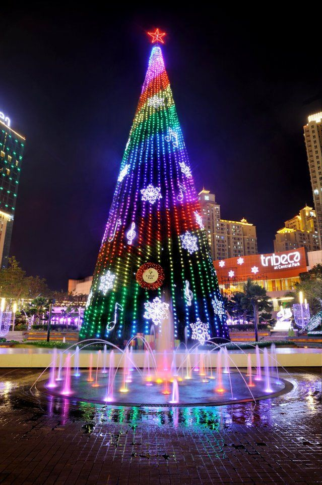 Central Park Jakarta Indonesia Christmas Worldwide Christmas In The City Beautiful Christmas Trees