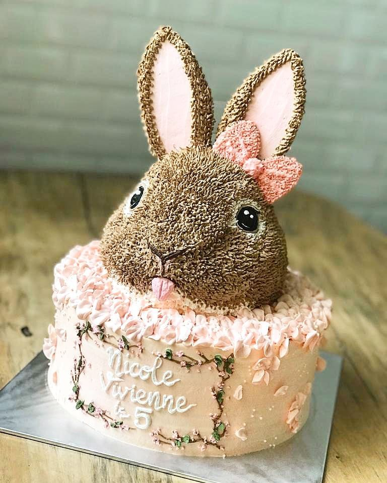 #buttercream #buttercreamcake #buttercreamflowers #bandung #bandungcake #bandungjuara #birthdaycake #birthday #cake #cakebandung #cakegram… #buttercream