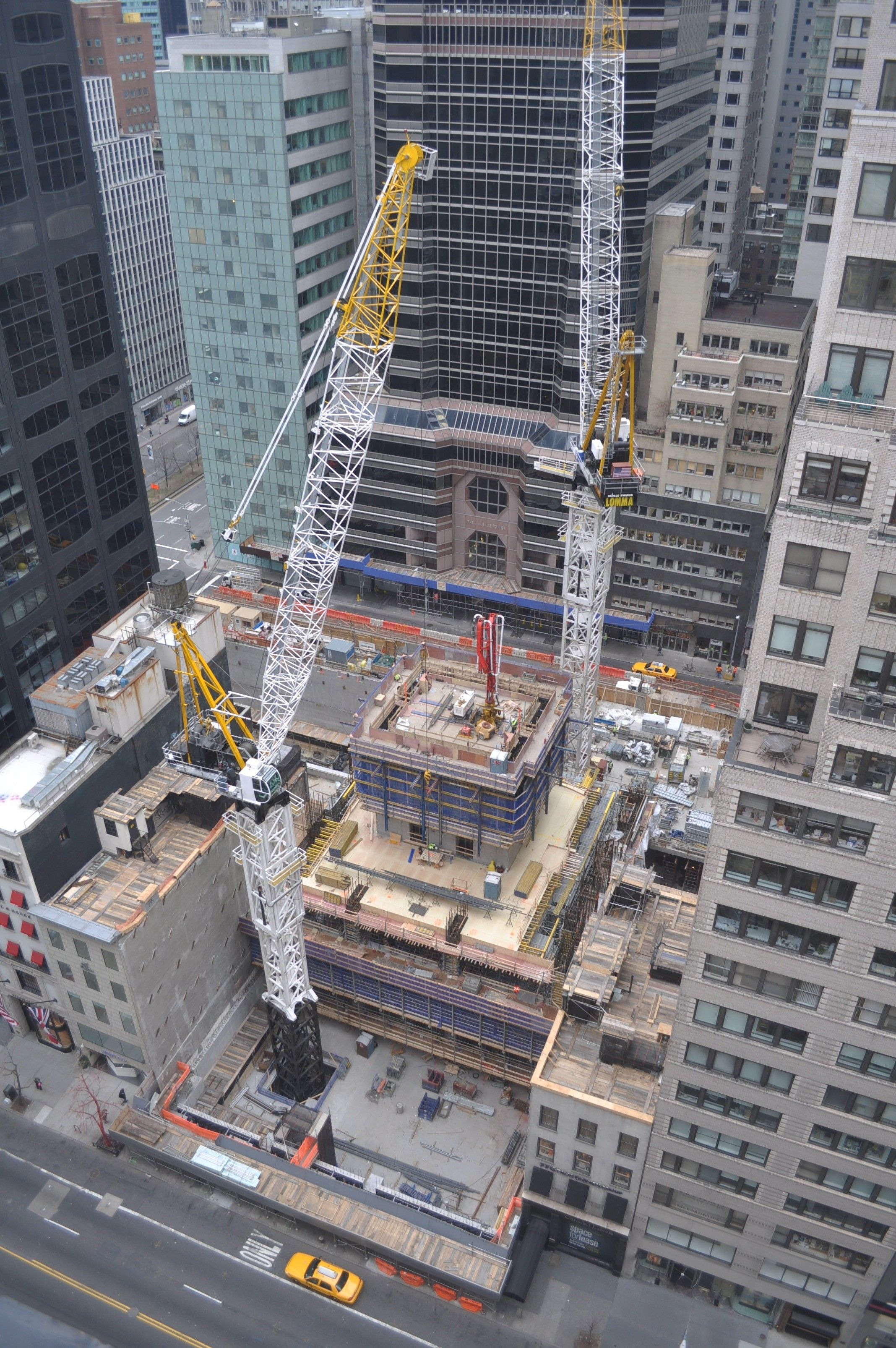 432 Park Avenue In New York City. See Construction