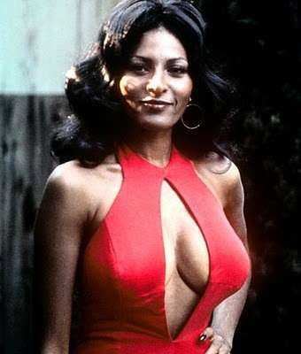 pam-grier-sex-scenes-hot-girl-playing
