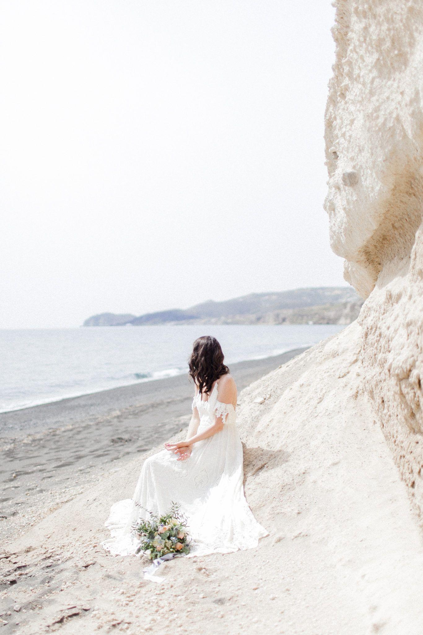 Strandhochzeit auf santorini hippieflair trifft griechische