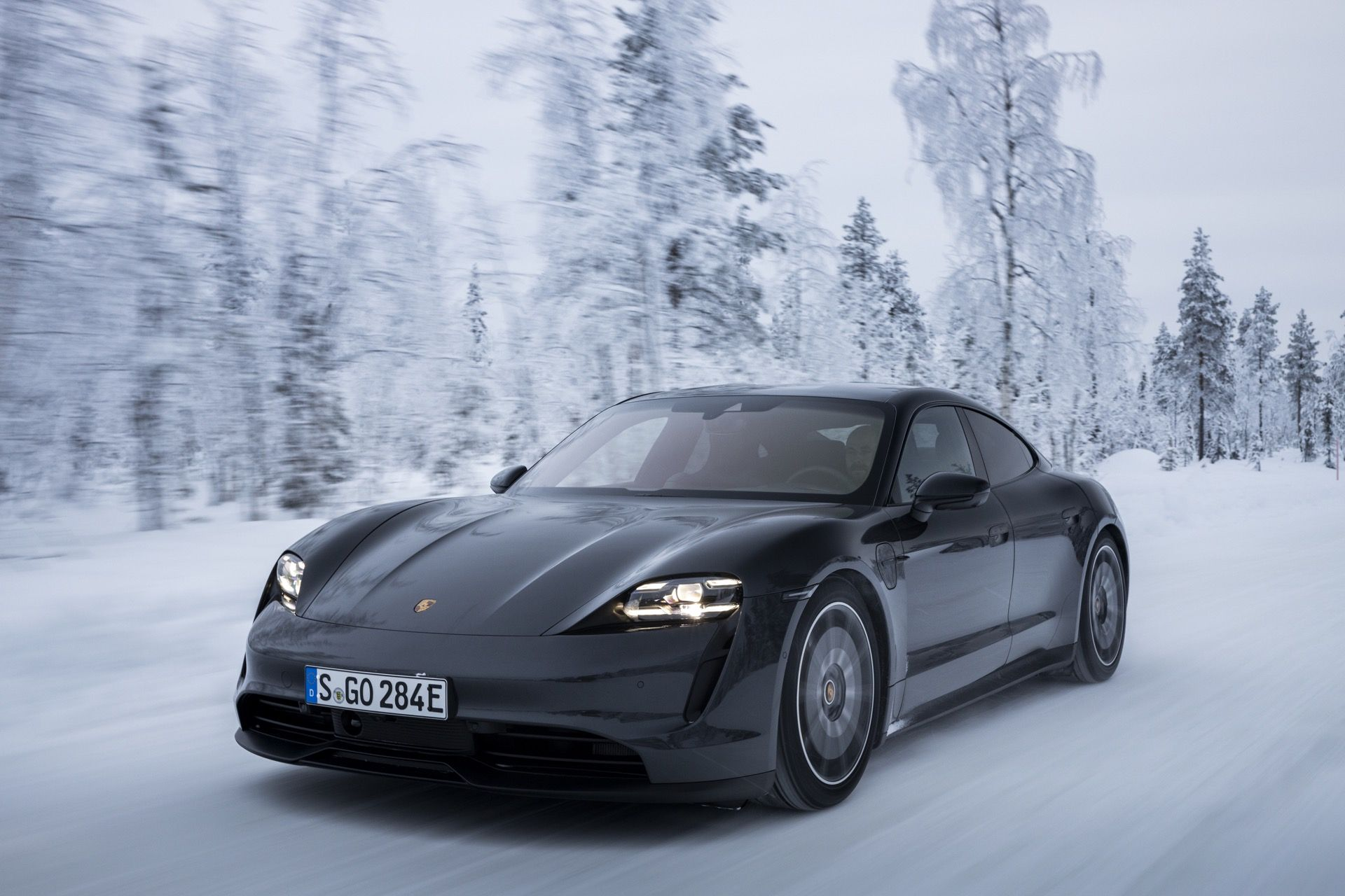 First Drive Review 2020 Porsche Taycan 4s Drifts Into A Thrilling Future Porsche Taycan Porsche First Drive