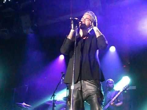 160427 Adam Lambert Talk Whataya Want From Me Hamburg