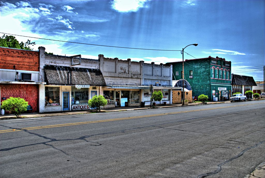 Main Street In Teague Freestone County Texas Population 4557