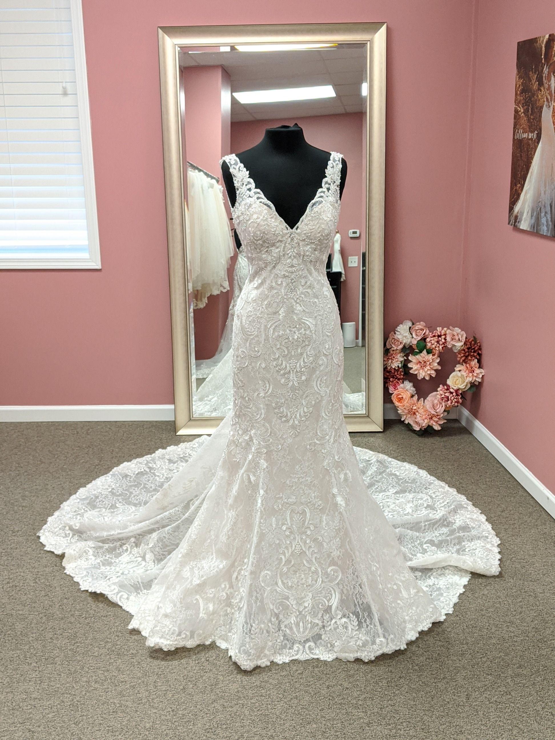 Size 8 In 2020 Mermaid Wedding Dress Wedding Dresses Bridal Shop