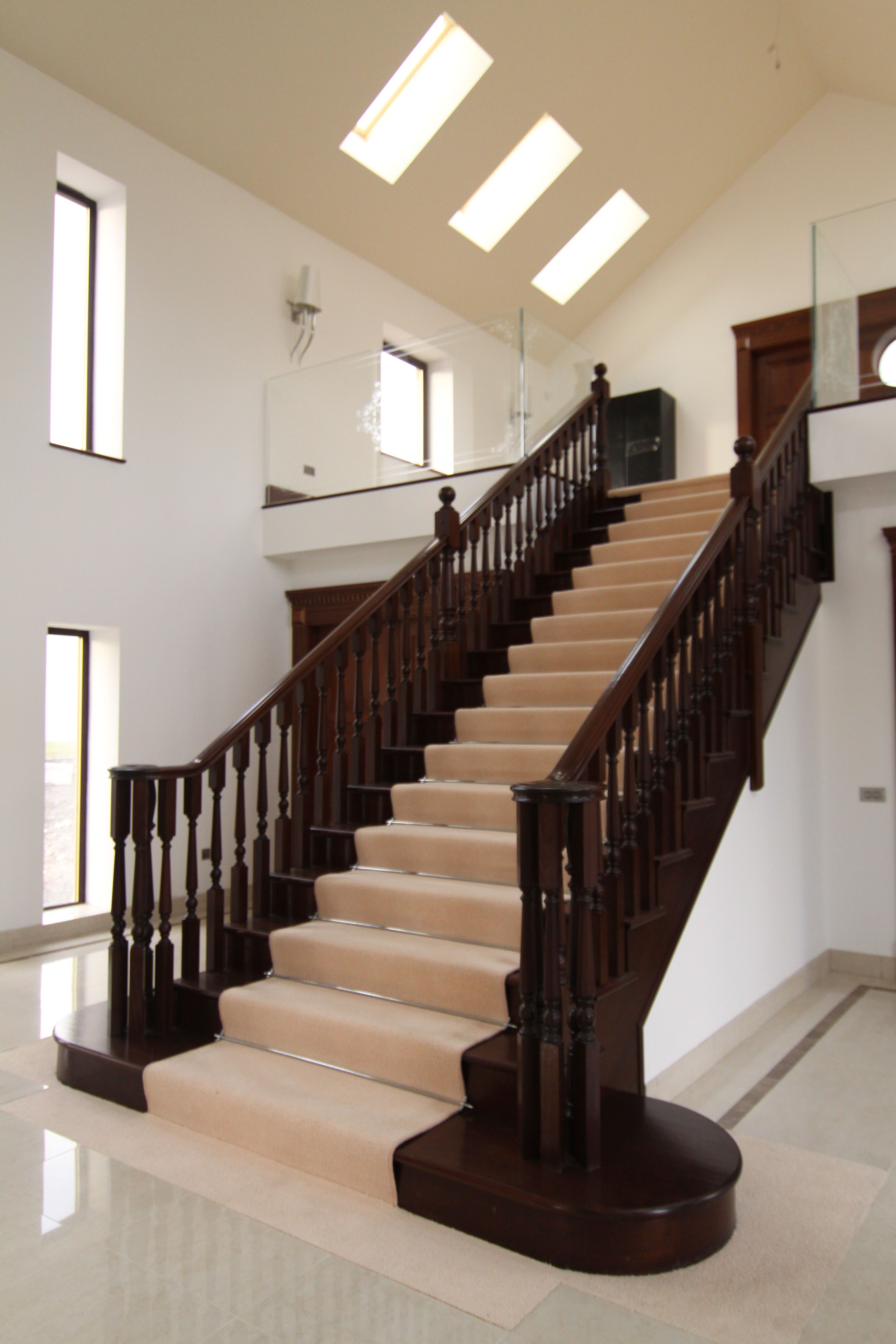 Best Mahogany Polished Staircase With A Volute Handrail And 640 x 480