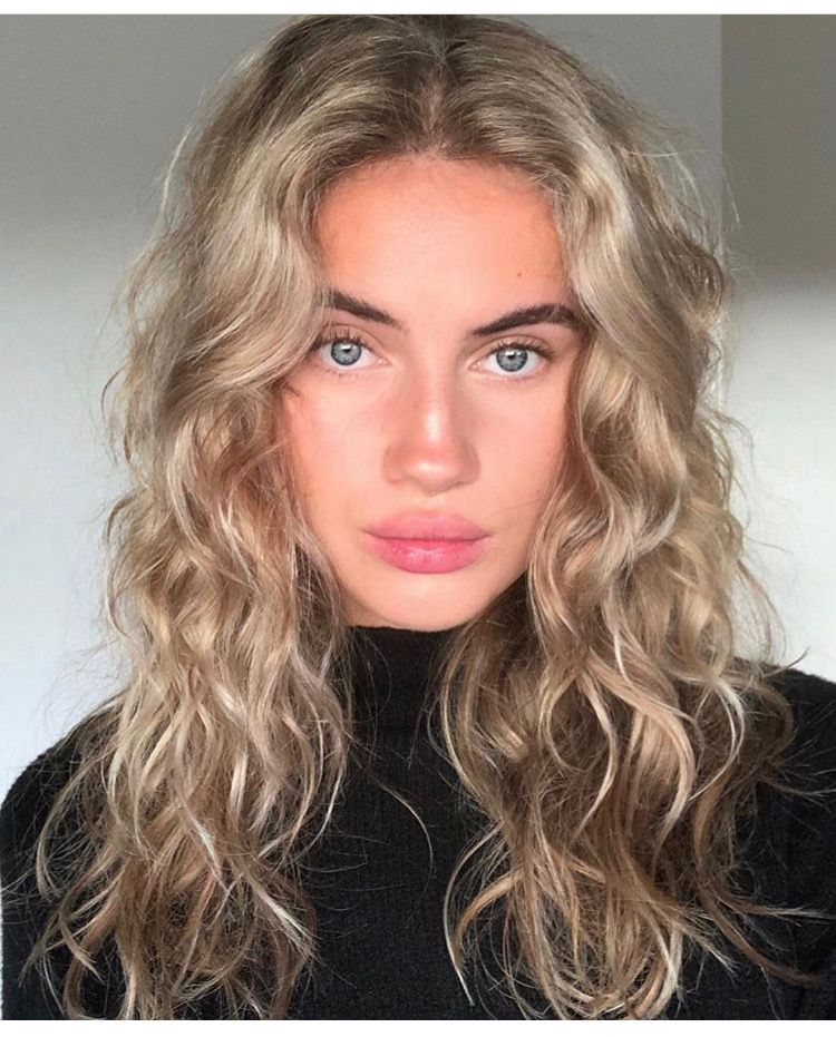 Natural Blonde Hair Swedish Curly Blonde Curly Hair Natural Blonde Wavy Hair Messy Wavy Hair