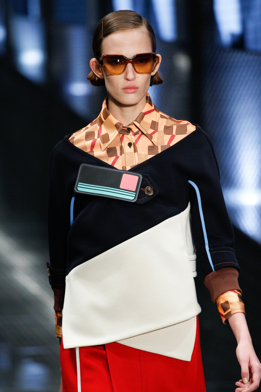 Prada Spring 2017 Ready-to-Wear Accessories Photos - Vogue