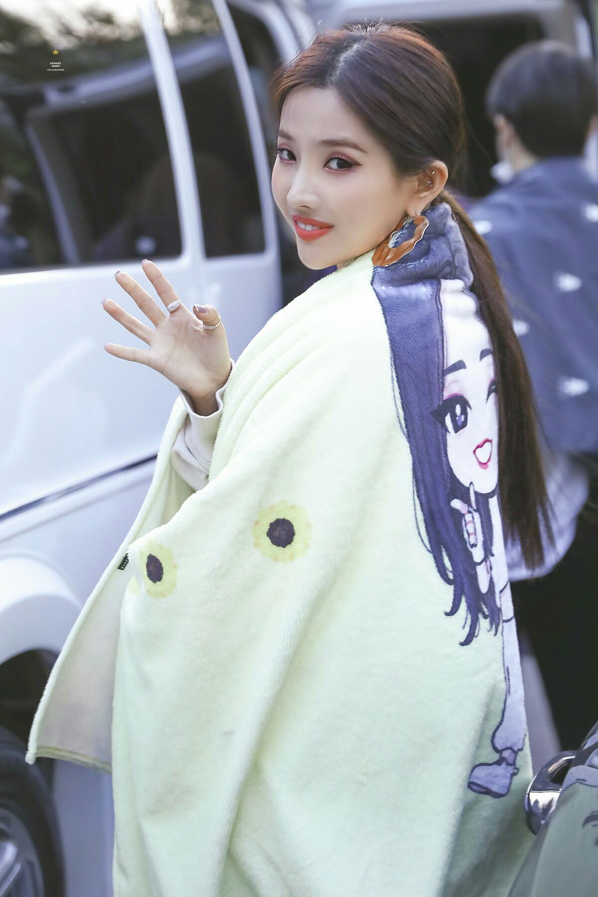 190329 - KBS music bank || Jeon Soyeon • (G)I-DLE # ...