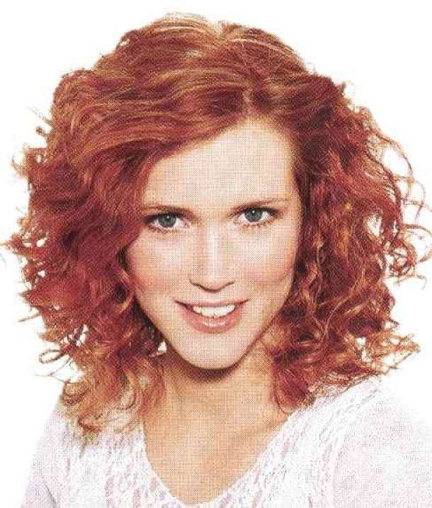 Oval Face Shape Medium Hairstyles For Curly Hair Home Curly Hairstyle Hair Style For Naturally Haircuts For Frizzy Hair Hair Styles Oval Face Hairstyles