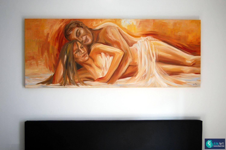 Figuratief schilderij in een slaapkamer van twee geliefden ...