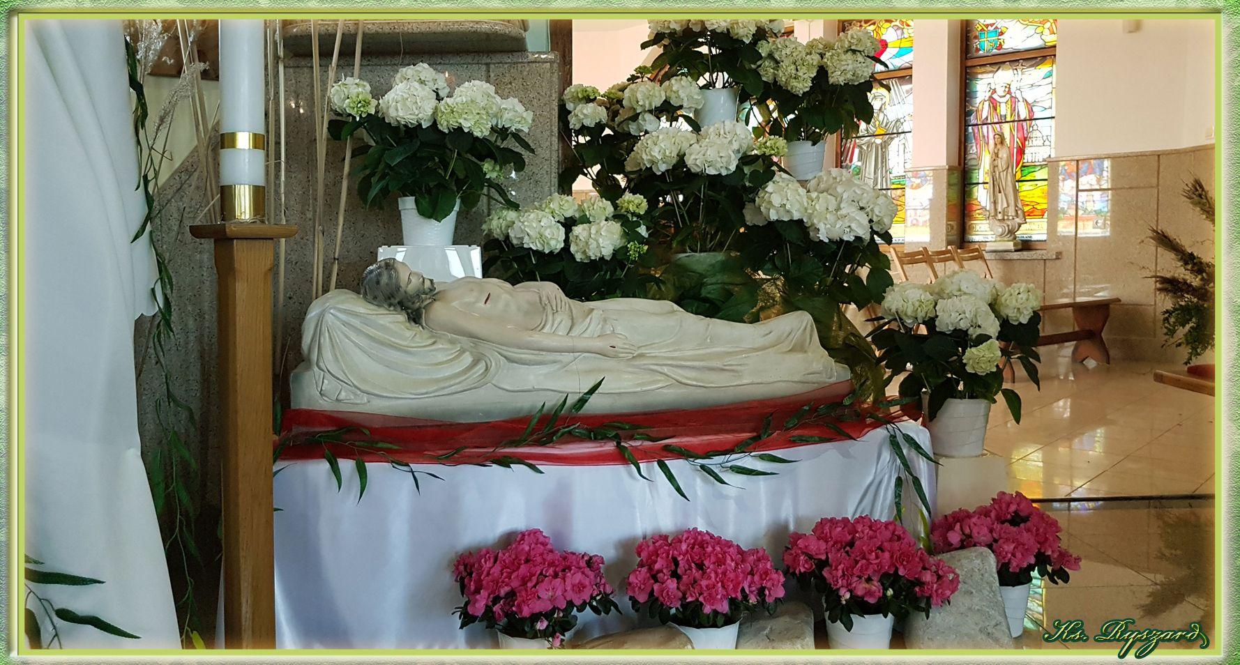 O Swicie Maria Magdalena I Druga Maria Udaly Sie Do Grobu Nie Spodziewaly Sie Ze Zostana Odsuniety Kamien Niedziela Zmartwychwstania Panskiego Jest Bardzo Ra