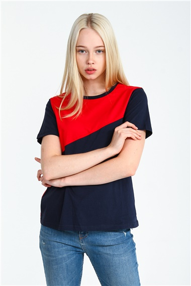 Bayan Tshirt Modelleri Kadin Tshirt Fiyatlari Collezione 2020 Kadin Moda Kadin Olmak
