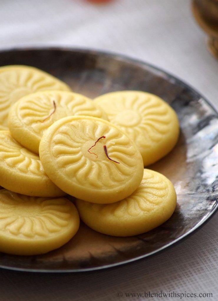 Kesar Mawa Peda 1 Cup Unsweetened Khoya Mawa Crumbled 1 4 Cup Sugar A Pinch Of Saffron 1 2 Tbsp Milk 1 Peda Recipe Indian Dessert Recipes Sweets Recipes