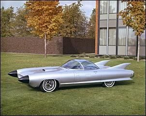 1959 Cadillac Cyclone. Looks like a 1st cousin of the Batmobile.