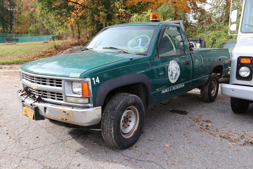 Item 1 2000 Chevrolet 3500 Ls Pickup Truck Vin 1gchk34r3yf498761 Mileage 105 328 Body Regular Cab 2d Engine 5 7l Regular Cab Pickup Trucks Trucks