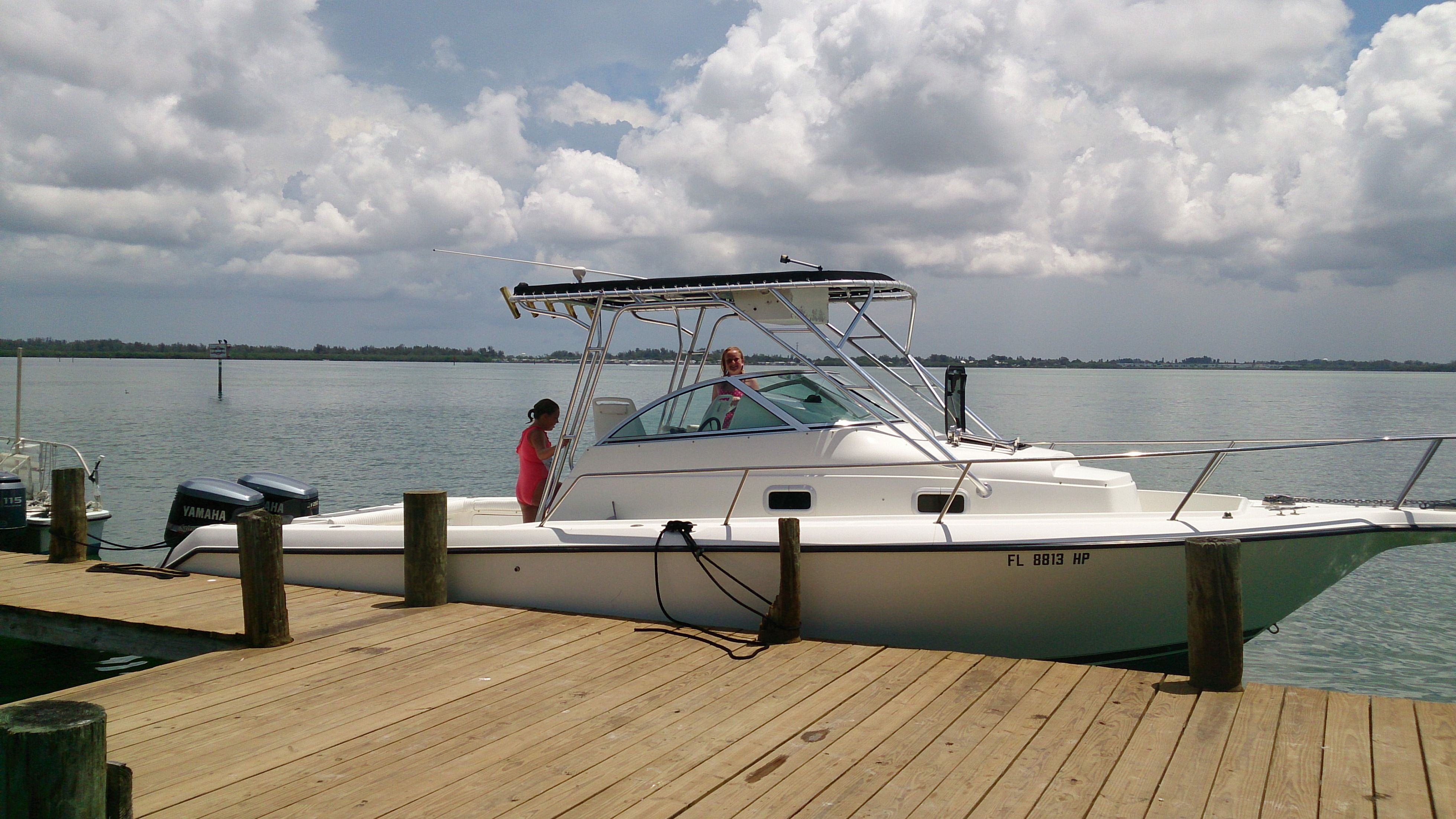 Boat Rentals In Tampa Florida Rent A Boat And Cruise Hillsborough River Tampa Bay And The Gulf Of Mexico This 31 Footer I Boat Rental Sailboat Rental Boat