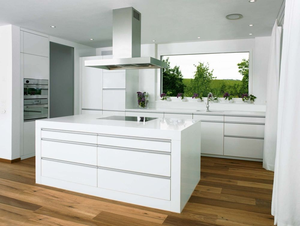 K chen modern wei k che weiss modern bilder k che pinterest kitchens and interiors - Kchen modern wei mit kochinsel ...