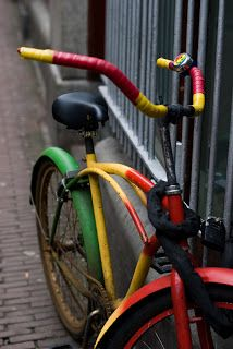 http://stefany-kk.blogspot.fr/2013/06/and-more-colorful-bicycles.html