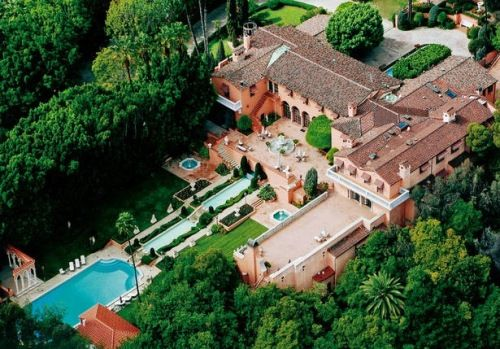 most expensive house in the world Hearst Mansion Beverly Hills.live  luxuriously like Hearst castle