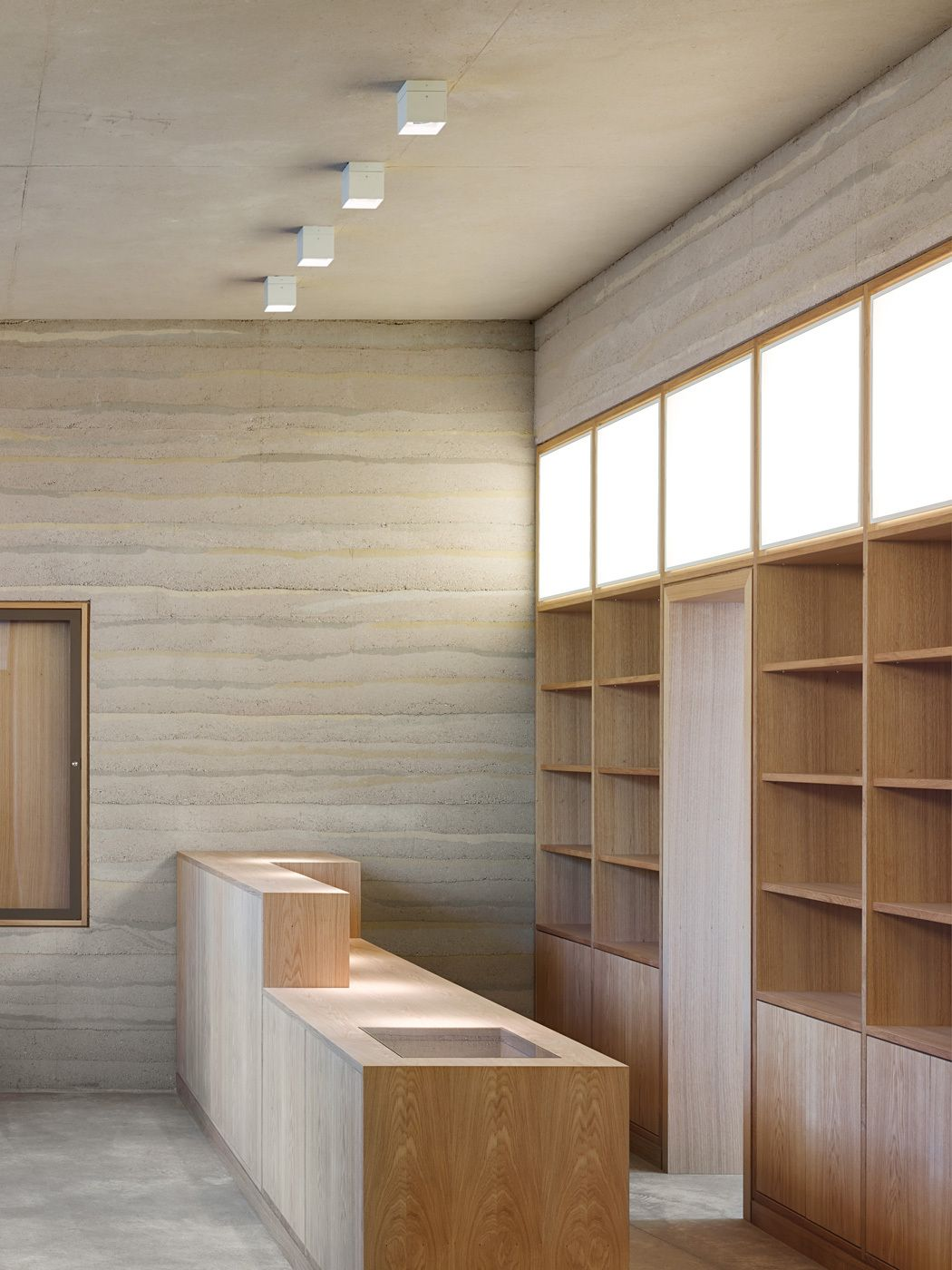 Showcase sparrenburg visitor center by max dudler for Interior design bielefeld