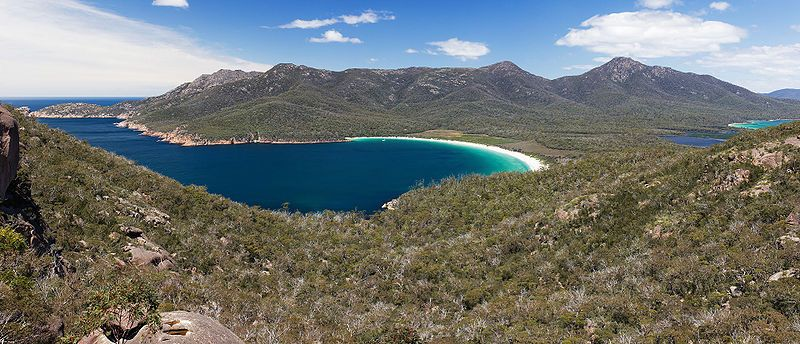 Wineglass Bay from Lookout, Freycinet National Park, Tasmania, Australia