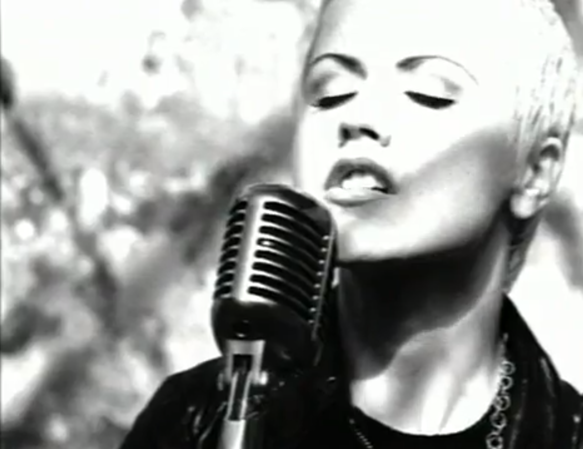 Dolores Oriordan In The Cranberries Zombie Video Beauty