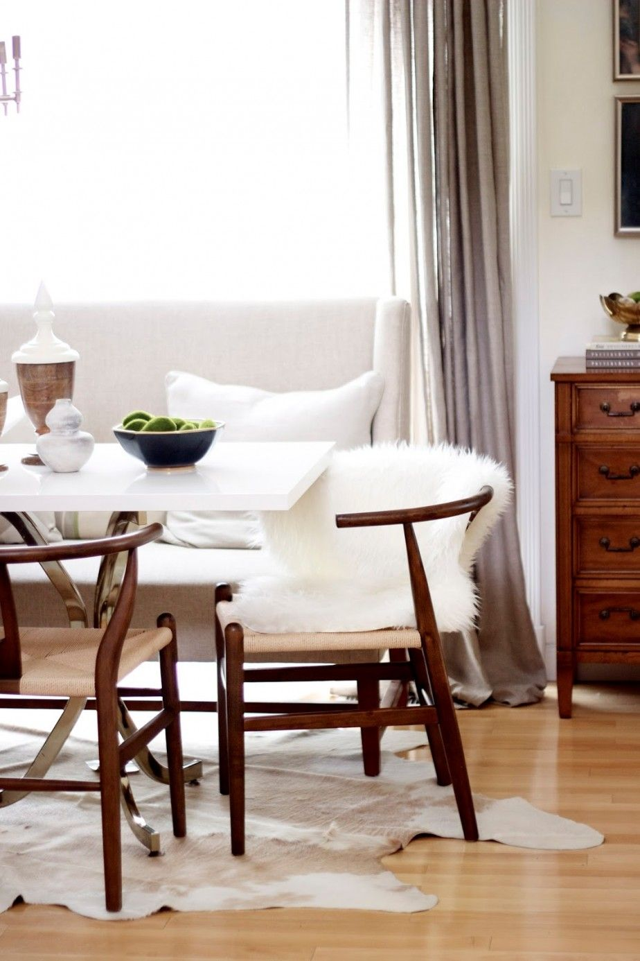 Elegant Dining Room With Minotti Dining Tables