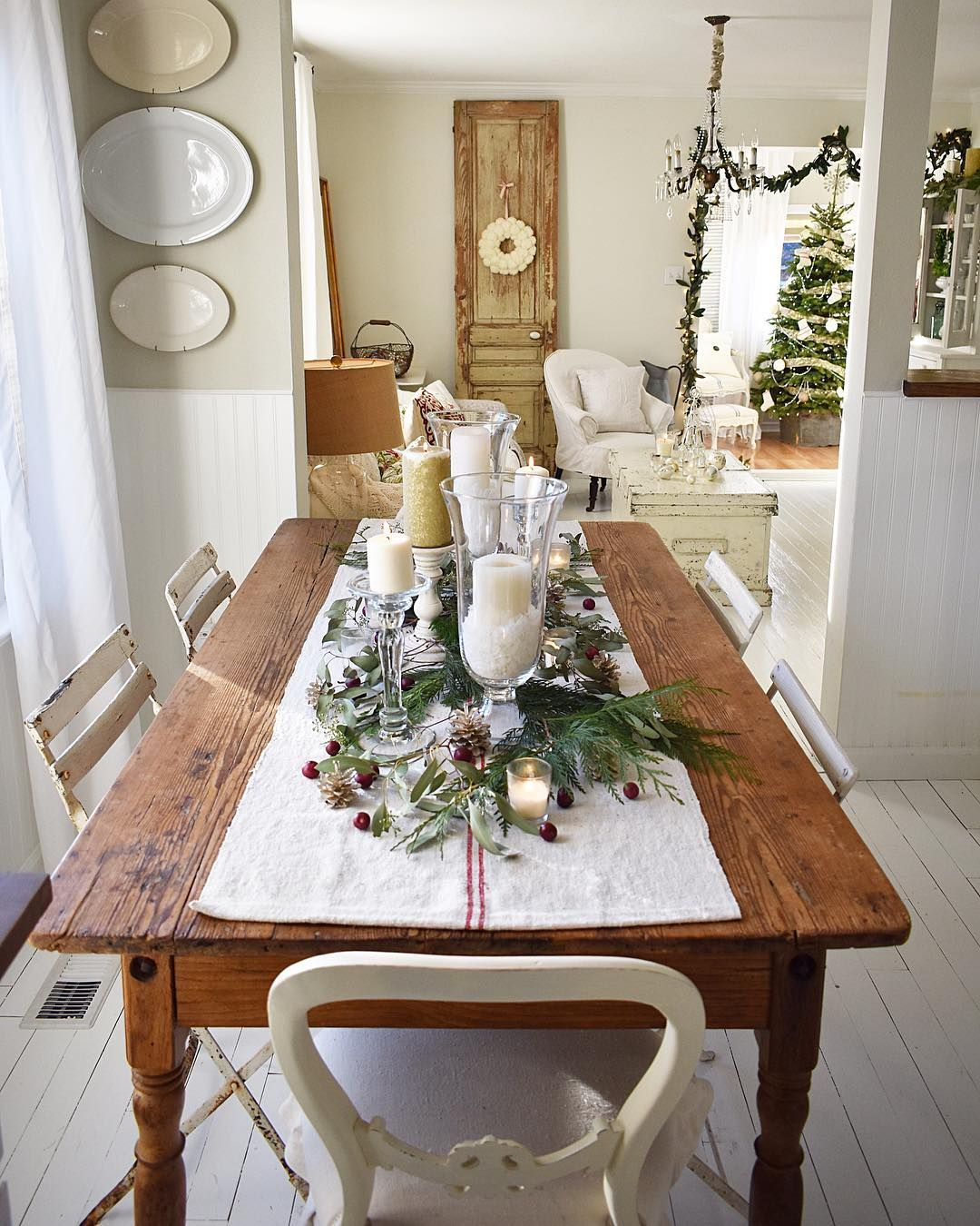 75 Simple And Minimalist Dining Table Decor Ideas In 2020 Dining