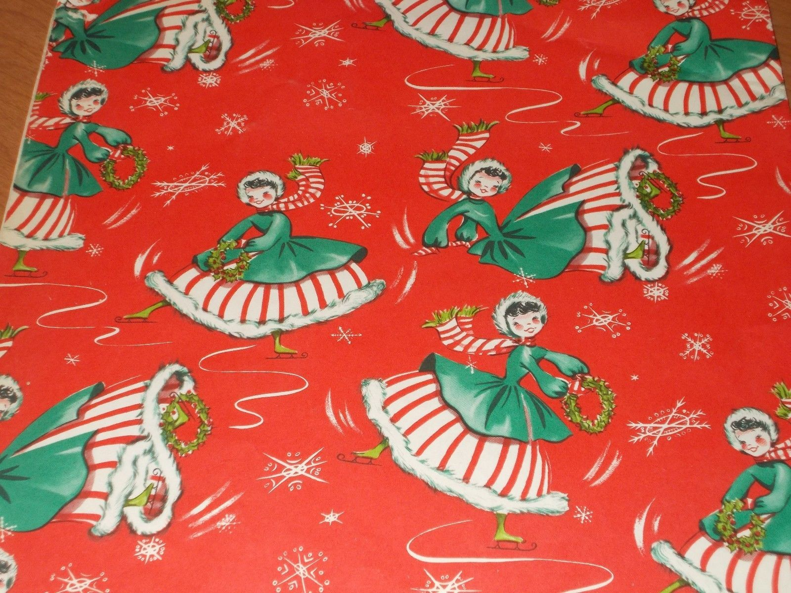 Vtg Christmas Wrapping Paper Gift Wrap 1940 Ice Skating Girl On Red Wreath 2 Vintage Christmas Wrapping Paper Christmas Wrapping Paper Retro Christmas Cards