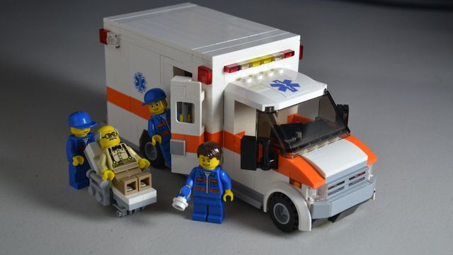 die besten 25 lego ambulance ideen auf pinterest lego anleitung lego ideen und lego. Black Bedroom Furniture Sets. Home Design Ideas