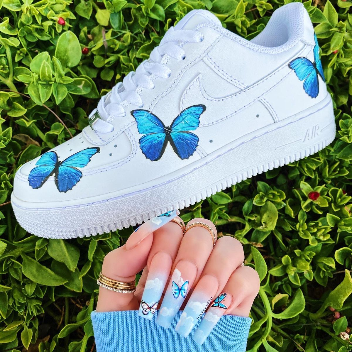 Butterfly Nails 🦋 in 2020 Diy clothes and shoes, Custom