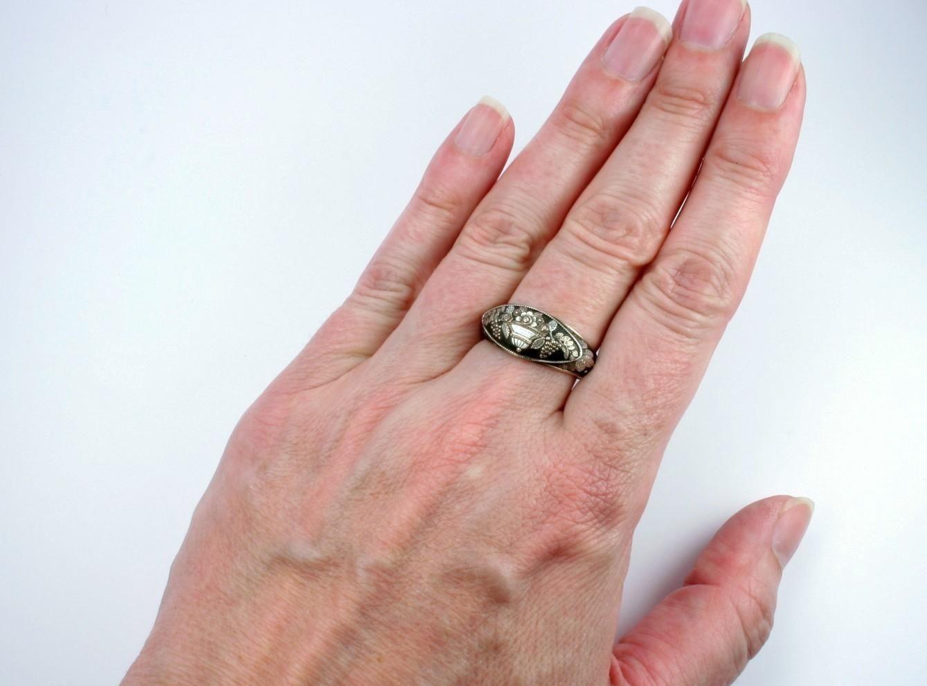 Rare Berlin Iron Giardinetti Ring, c. 1790 - 1815 | Iron, Ring shops ...