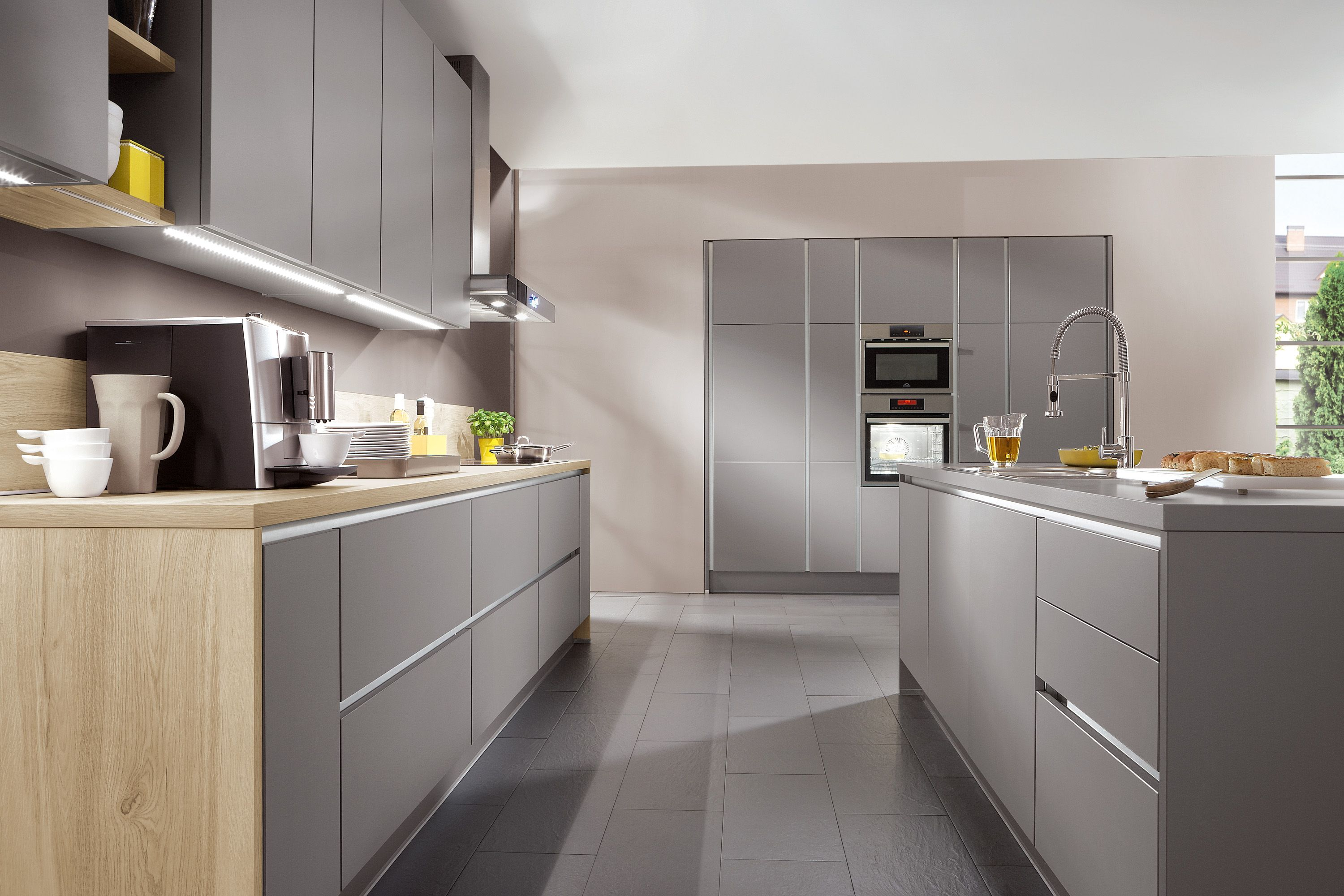 The Selection Of Fronts And Elements From Line N Leaves Virtually Interesting Kitchen Design Grey Design Inspiration