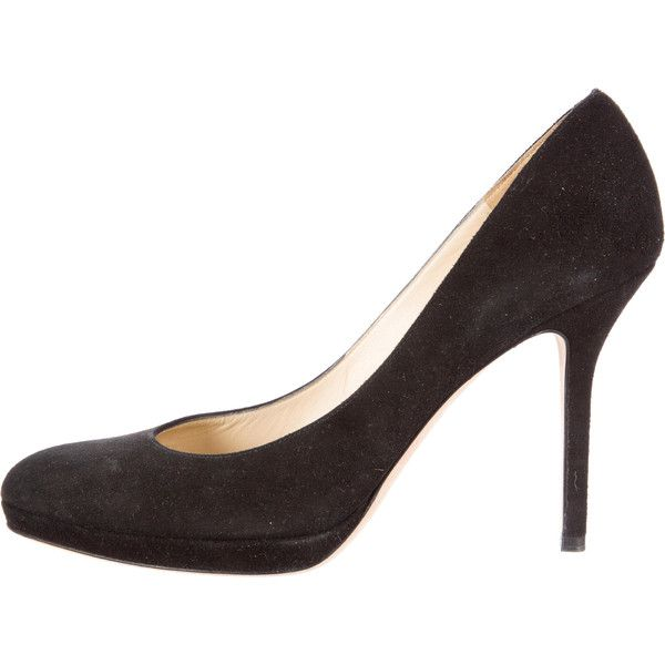 Jimmy Choo Suede Pointed-Toe Pumps (93.670 CRC) ❤ liked on Polyvore featuring shoes, pumps, black, kohl shoes, pointy-toe pumps, black pointed toe pumps, suede leather shoes and jimmy choo
